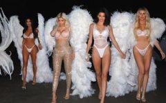 As Kardashian criam desfile de Victoria's Secret para Halloween