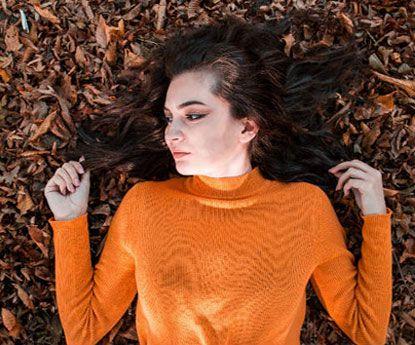 Porque nos cai tanto o cabelo no Outono?