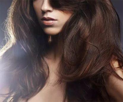 Dicas para um cabelo brilhante durante todo o inverno