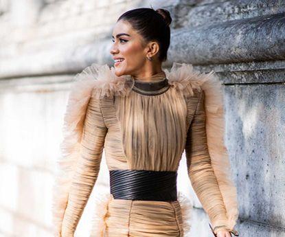 15 vestidos dourados para iluminares nesta temporada de festas