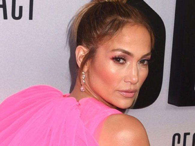 Jennifer Lopez vai lançar próprios cremes de beleza