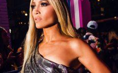 """Jennifer Lopez: pernas de """"enfarte"""" em collant vermelho"""
