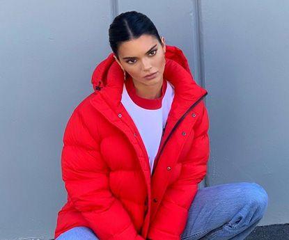 """Kendall Jenner: looks com as calças mais """"in"""" da temporada"""