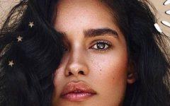 O efeito de cor em cabelos mais natural para morenas
