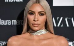 Kim Kardashian tem novo visual e está divina