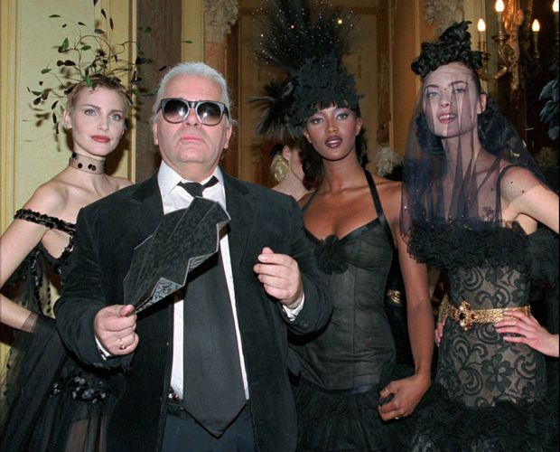 "Karl Lagerfed, o ""kaiser"" da moda morre aos 95 anos"