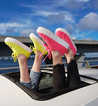 Neon is the New Black com a Steve Madden