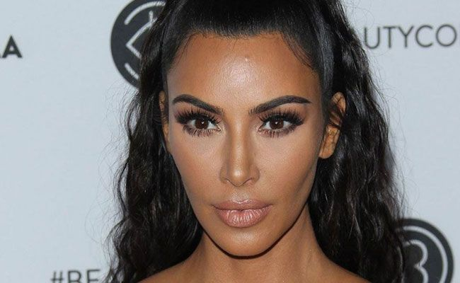 O descuido de Kim Kardashian sem roupa interior