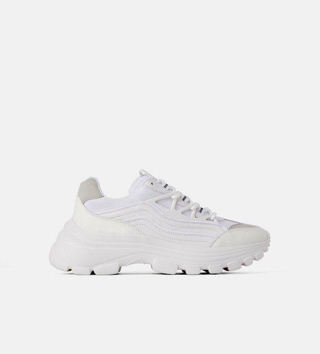 """""""Chunky sneakers"""" - o calçado mais procurado da temporada."""