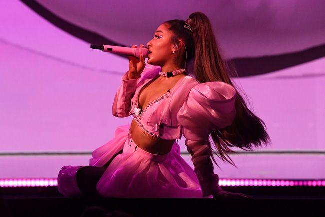 Ariana Grande cancela parte de tournée por ataques de pânico