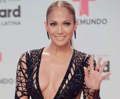 Jennifer Lopez: o vento expôs a diva do Bronx