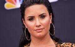 Demi Lovato e sua foto em biquíni com celulite