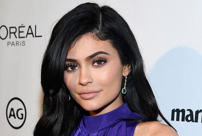 Kylie Jenner e Anastasia Karanikolaou: um beijo mítico