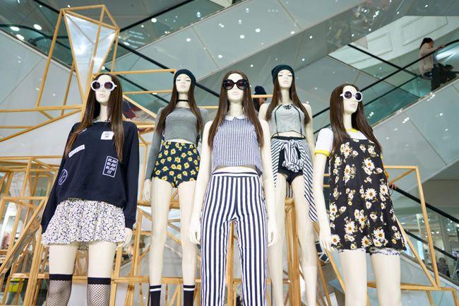 """""""Fast fashion"""" transformou a moda num negócio insustentável"""