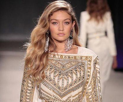 Gigi Hadid, a modelo de ouro que deslumbra nas passarelas