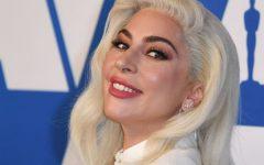 "Lady Gaga comemora 10 anos de ""Bad Romance"""