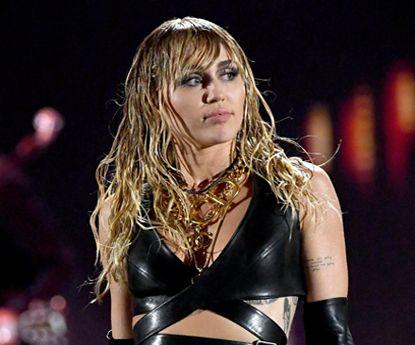 """Miley Cyrus """"choca"""" com novo visual no Instagram"""