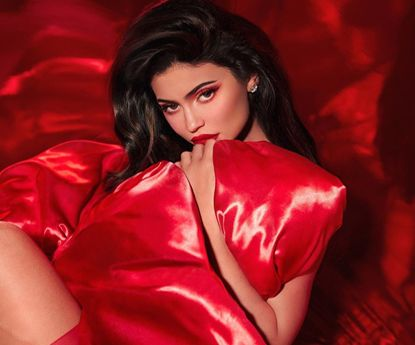 Kylie Jenner vende 51% da Kylie Cosmetics