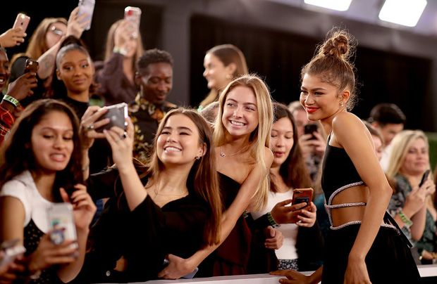 E! People's Choice Awards 2019: os looks do tapete vermelho