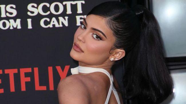 Zero truques! Este é o cabelo real de Kylie Jenner
