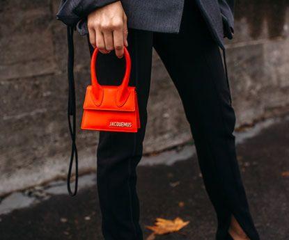 Como combinares a tua bolsa vermelha com muito estilo