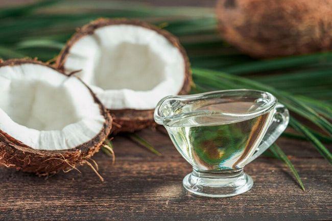 Óleo de coco: para suavizar e rejuvenescer o rosto