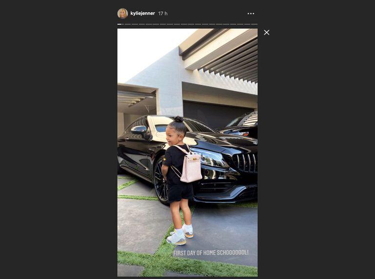 Filha de Kylie J na escola com mochila de 10.000 euros