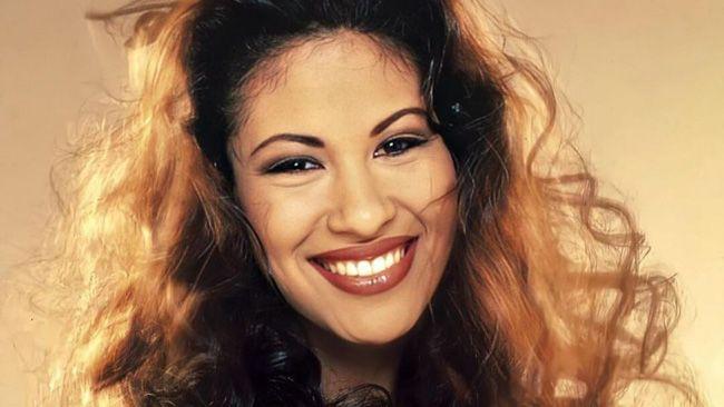 5 lições de moda atemporais que nos deixou Selena