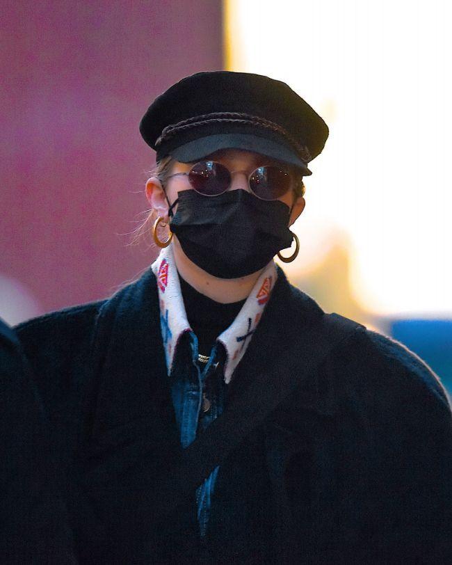 """Esta tendência da moda para 2021 lembra-nos o chapéu """"newsboy"""""""