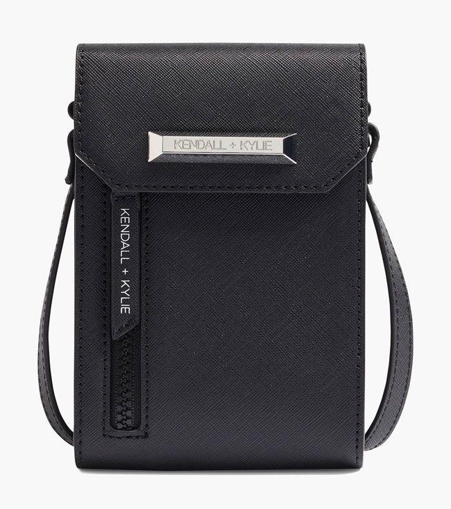 Deichmann apresenta coleção de carteiras com Kendall & Kilye Jenner