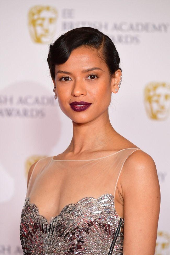 As melhores maquilhagens e penteados dos BAFTA 2021
