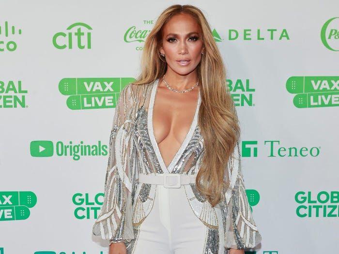 """Branco e estilo """"Pretty Woman"""" estão na moda, palavra de """"celebrity"""""""