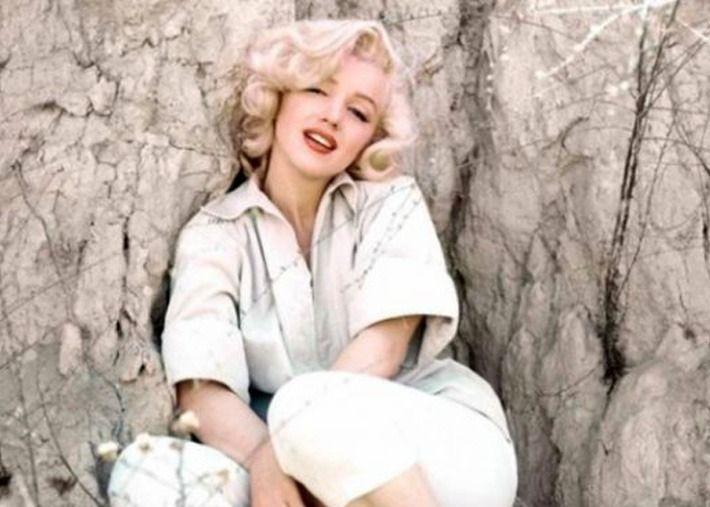 Saia lápis e uma camisa branca da Zara e tornas-te uma Marilyn Monroe