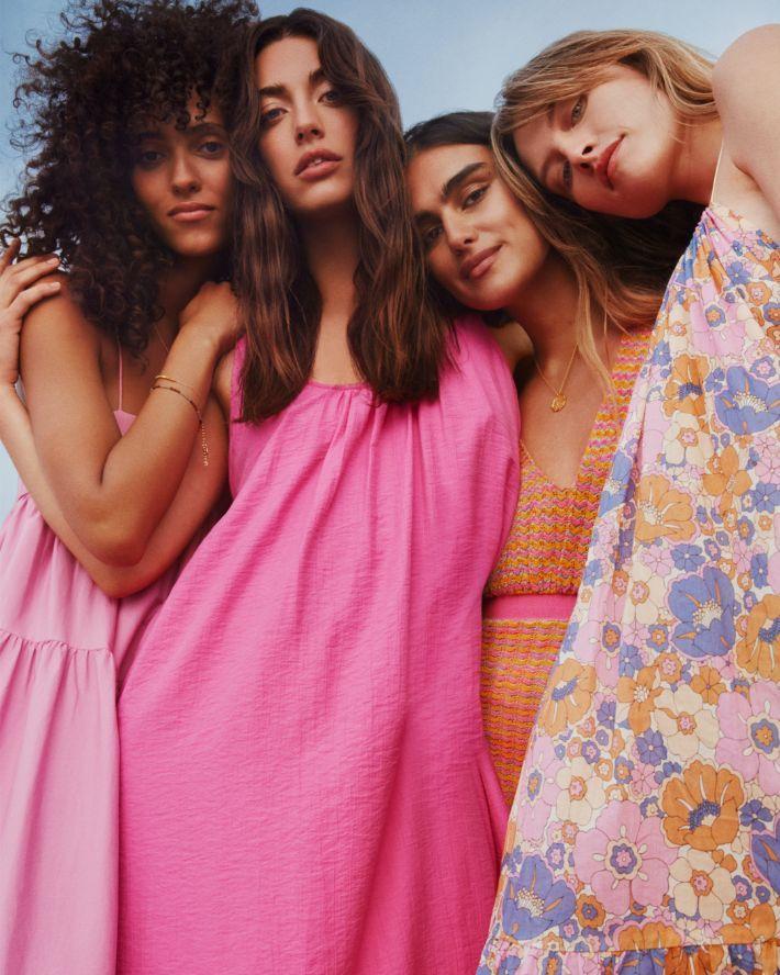 Ibiza dos Anos 70 e otimismo na nova campanha de verão da Mango