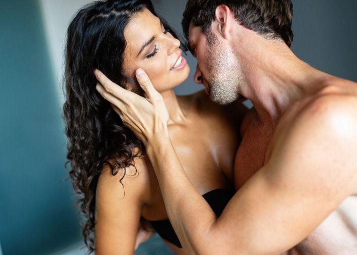 3 posições sexuais que aumentam o prazer na zona erógena da mulher