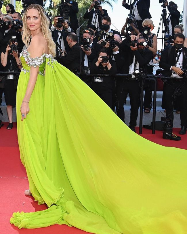 Chiara Ferragni deslumbra em Cannes com penteado de tranças