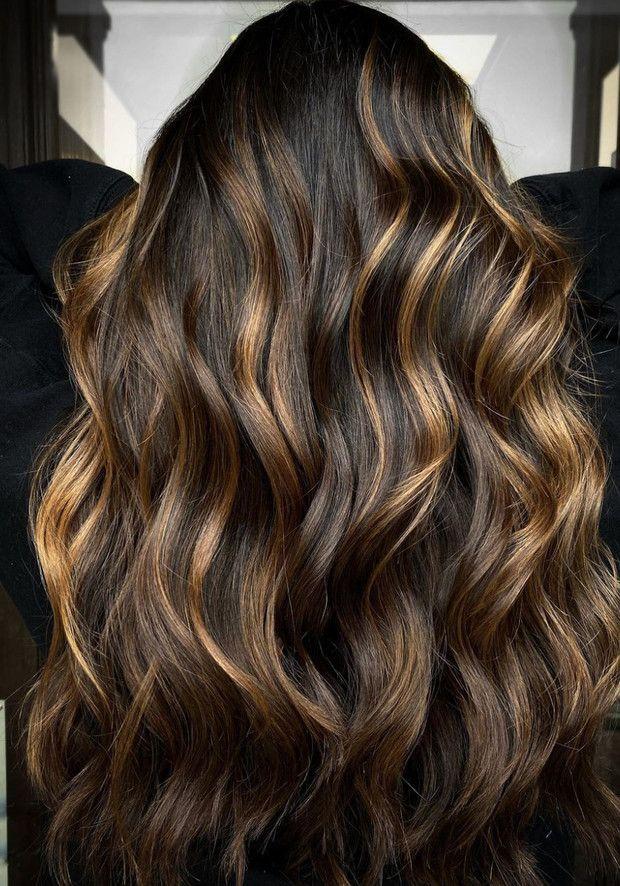 5 tipos de madeixas para cabelos pretos este verão