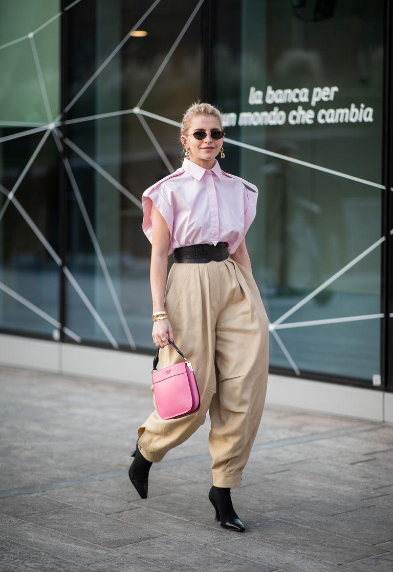 Combinar a cor camel com rosa é uma tendência (e forte)