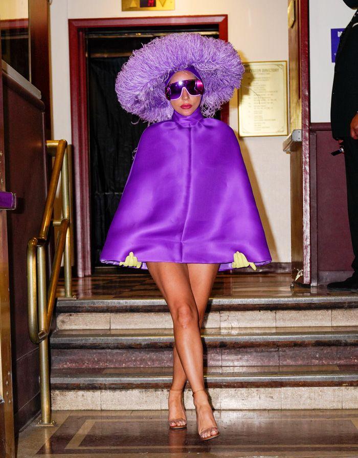 Lady Gaga deixou-nos sem palavras com este look maravilhoso