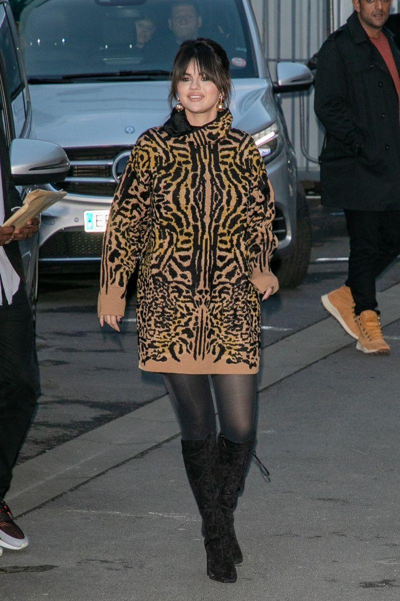Selena Gomez: a evolução do tapete vermelho da Disney ao Met Gala