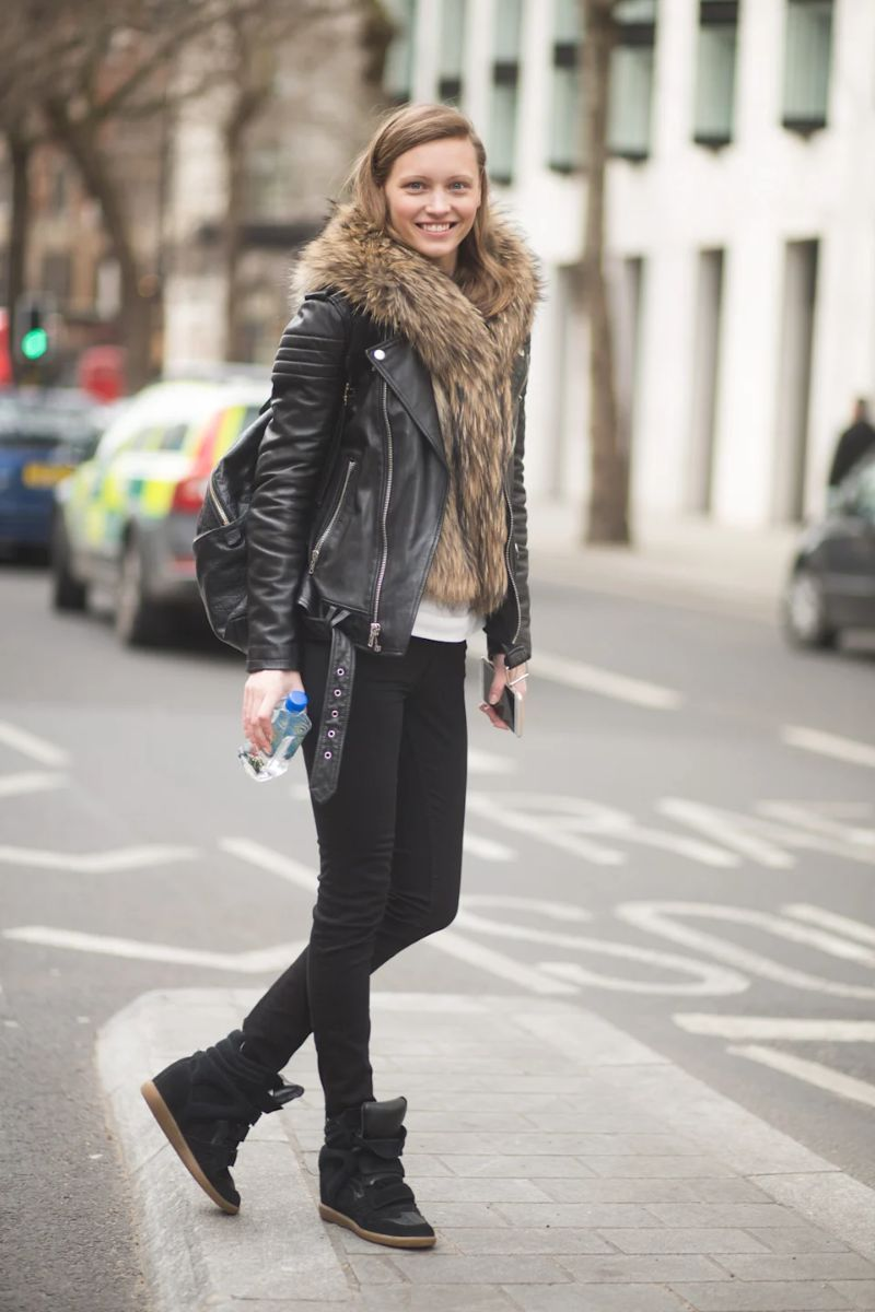 Os sapatos na moda são feios, mas combinam com todos os outfits