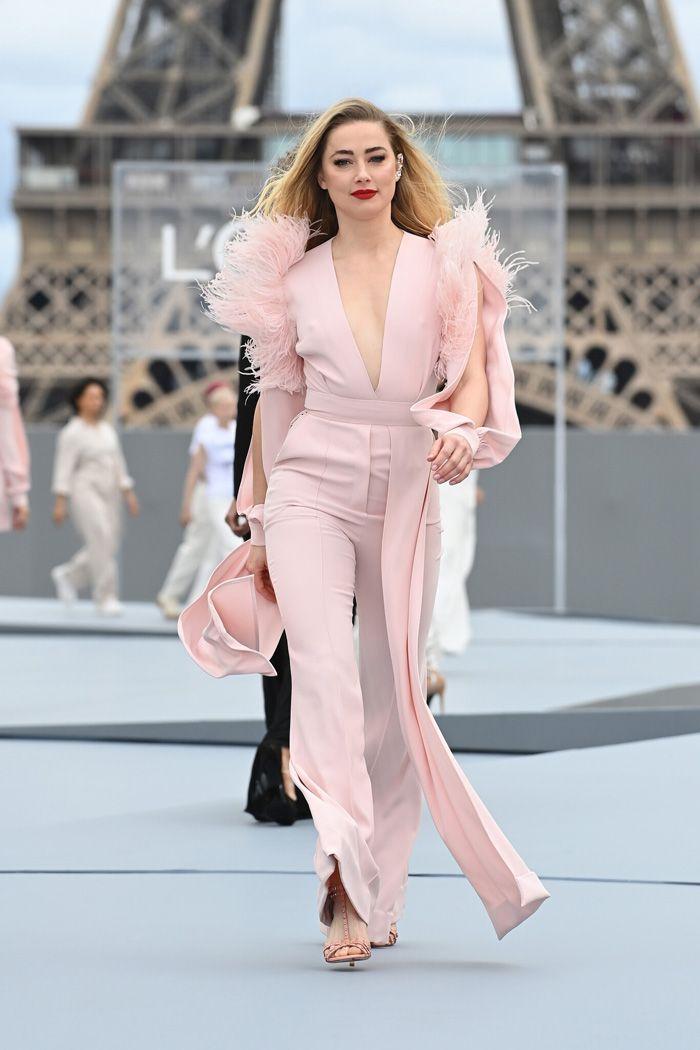 Desfile da L'Oréal Paris contra o assédio nas ruas afasta-se do tradicional