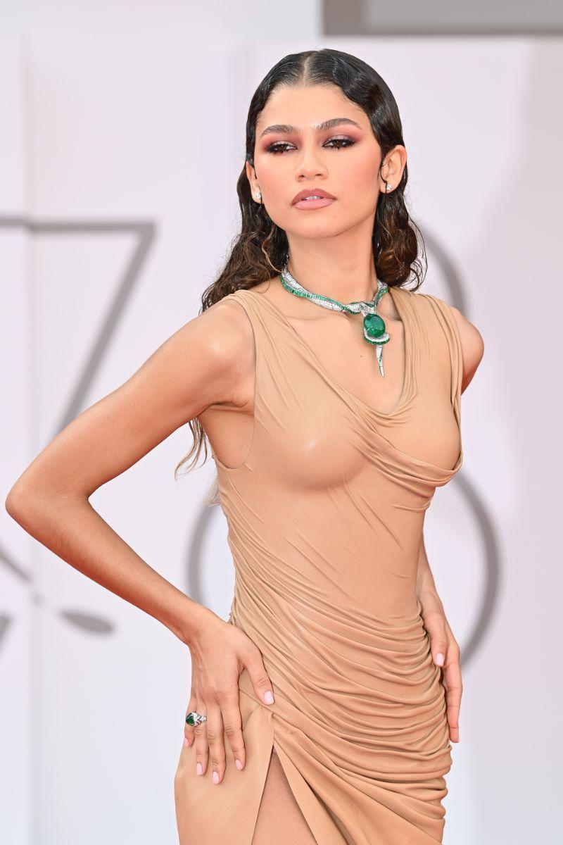 Zendaya e o naked dress que já entrou na história da moda